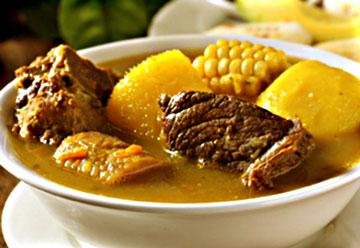 sancocho de carne ecuatoriano