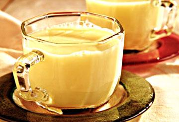 rompope ecuatoriano con leche