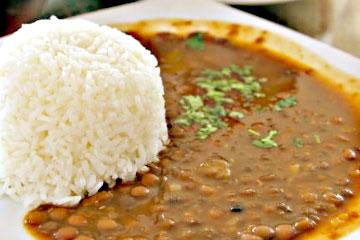 arroz con menestra ecuatoriano