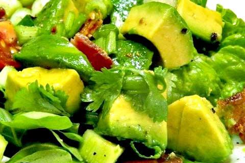 ensalada ecuatoriana de aguacate