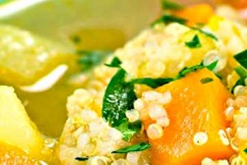 sopa de verduras con quinoa