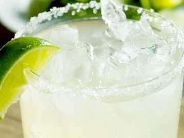 coctel margarita mexicano